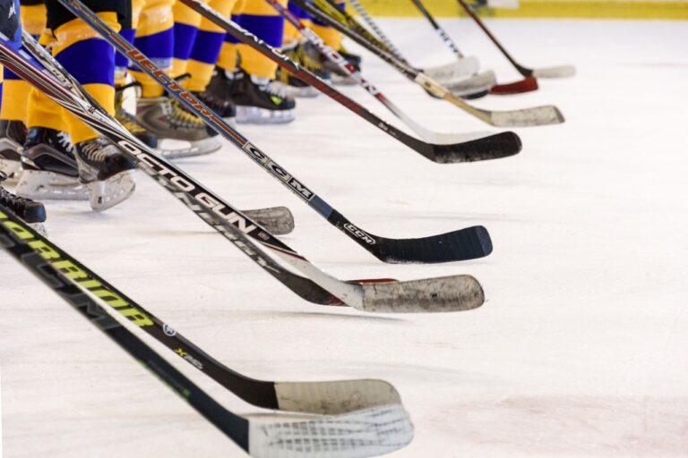 hockey team, hockey game, ice skating rink-3311629.jpg